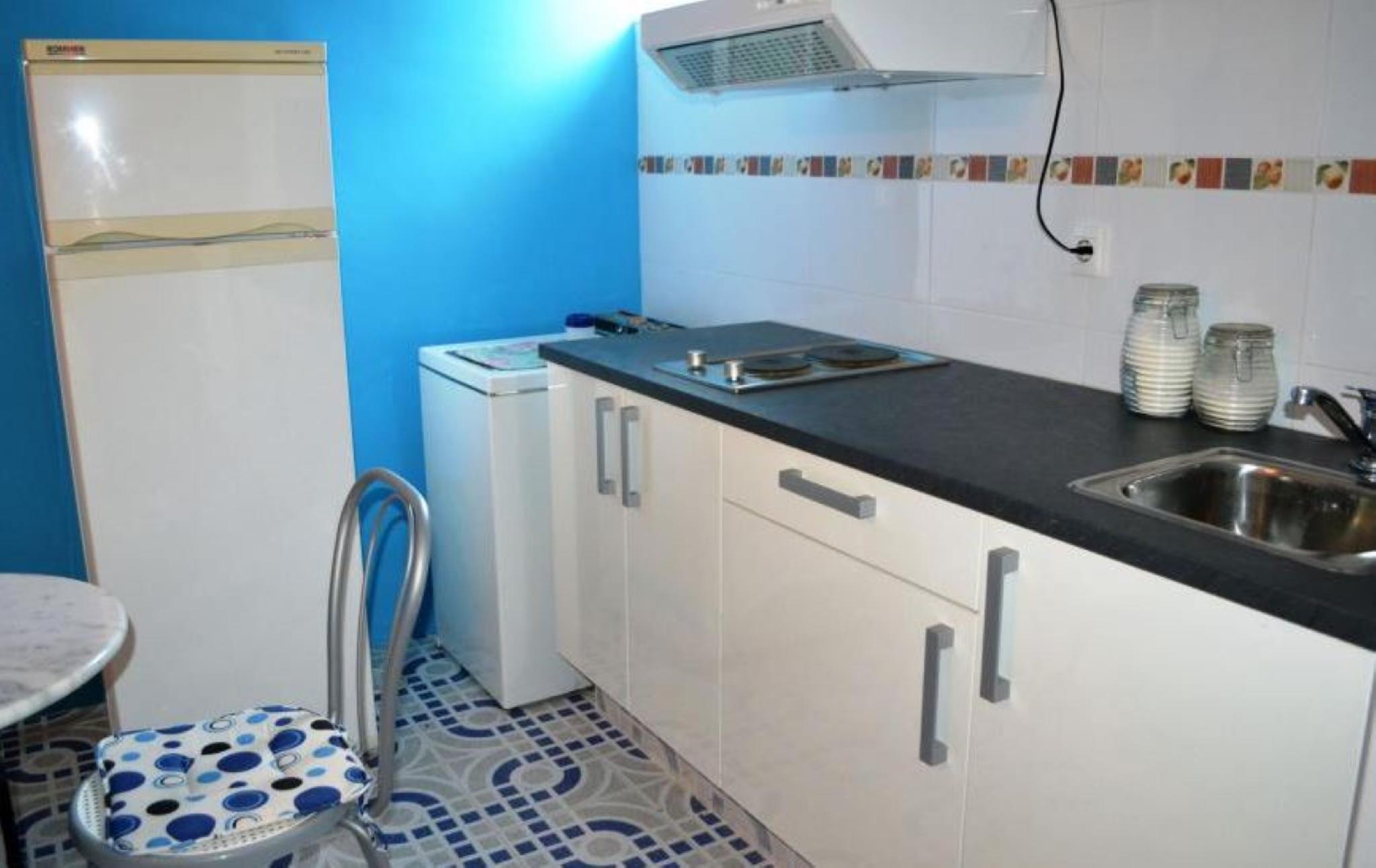 106301   Apartment In Llan�a