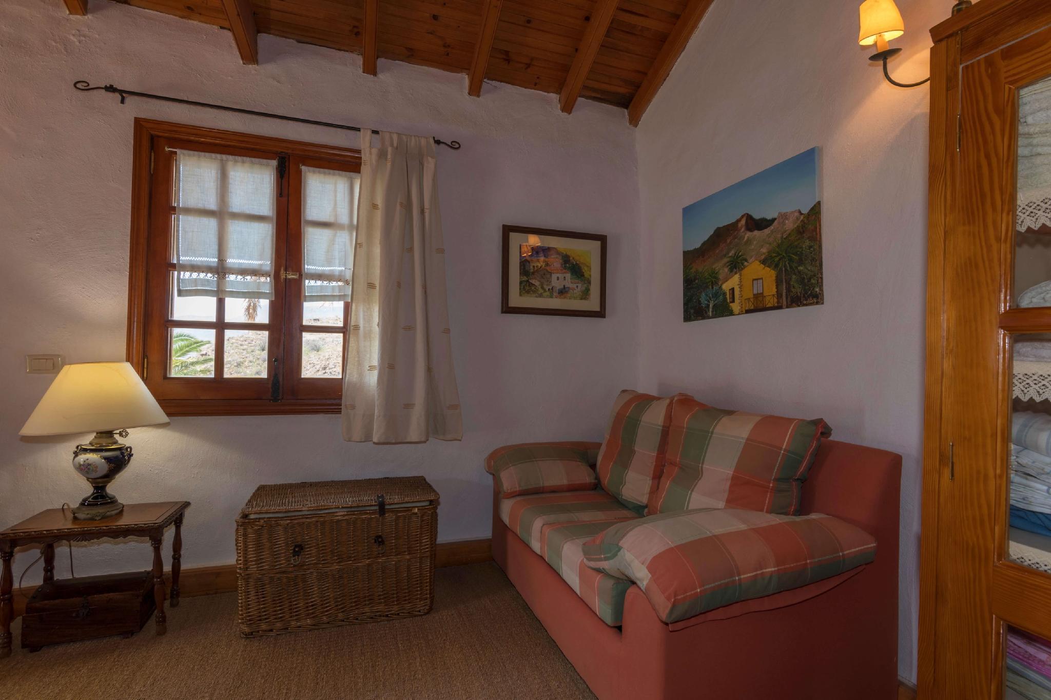 106831   House In Santa Lucia De Tirajana