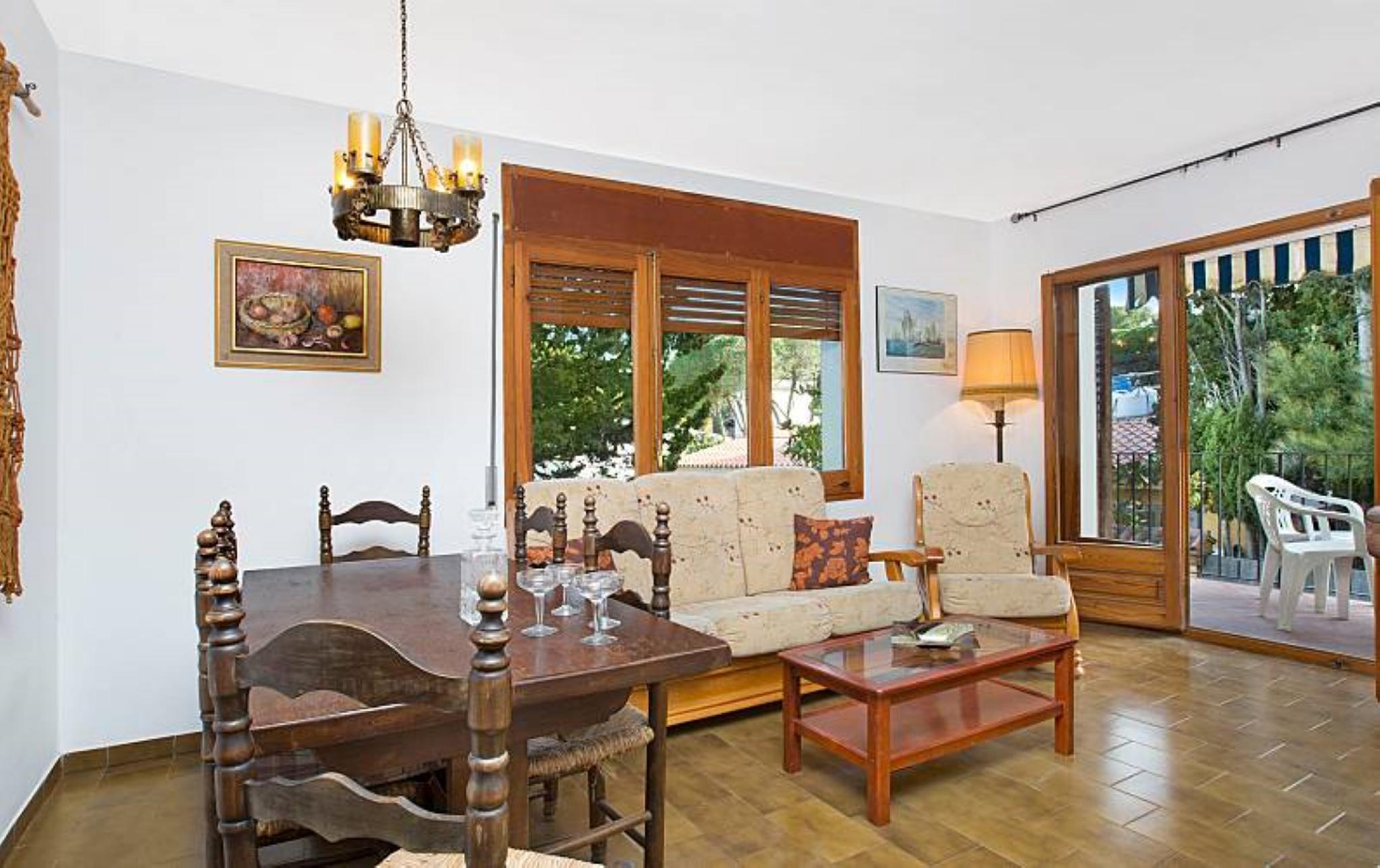 104744    Apartment In Llafranc