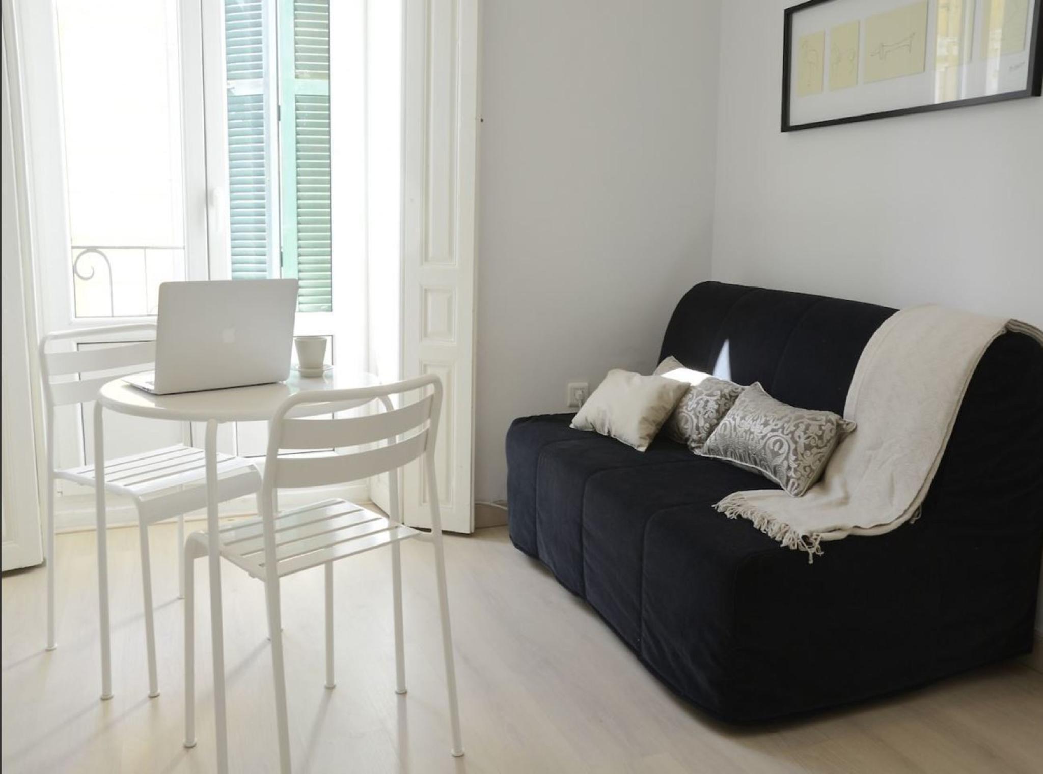 105956   Apartment In M�laga