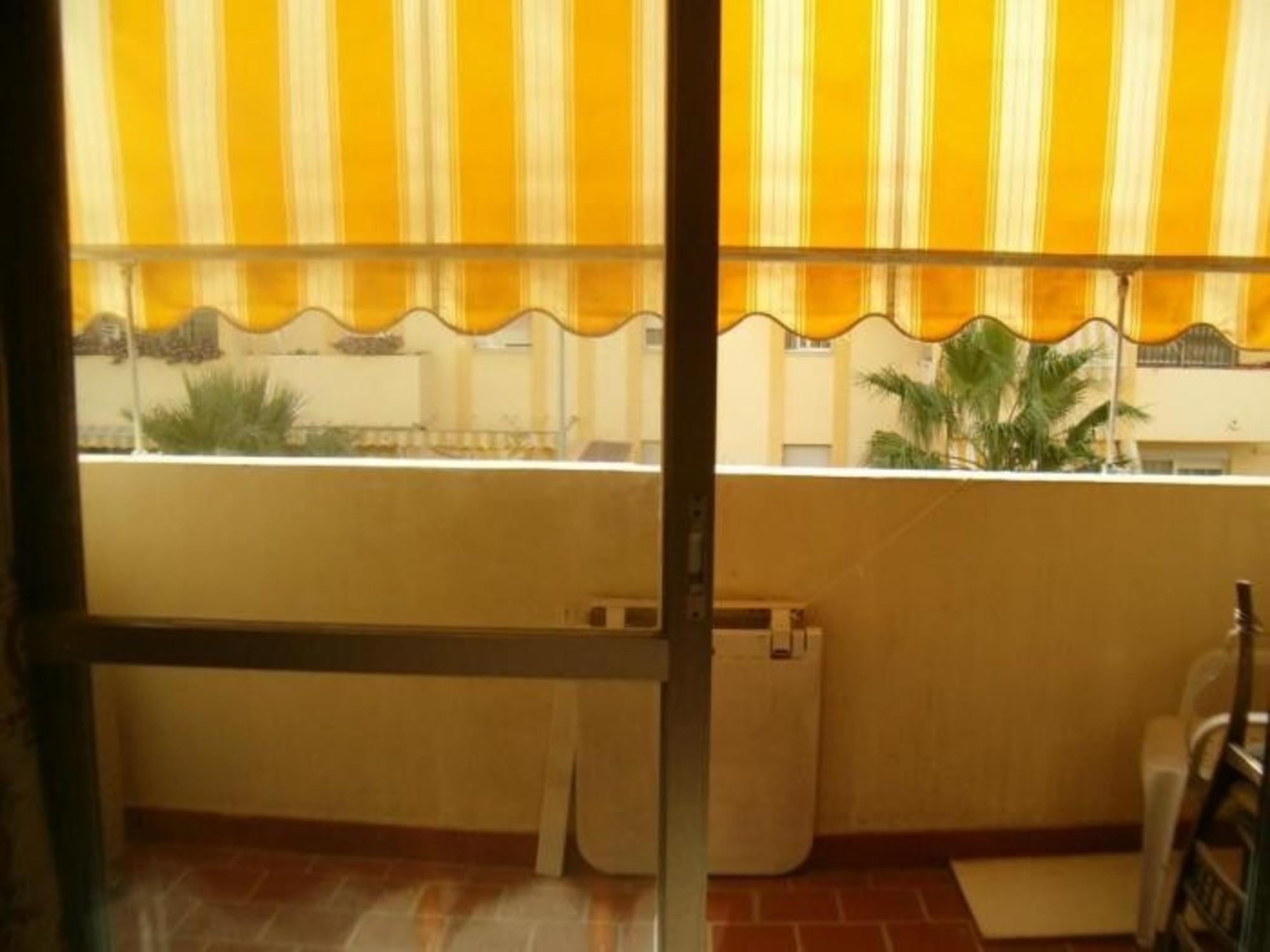 100712   Apartment In M�laga