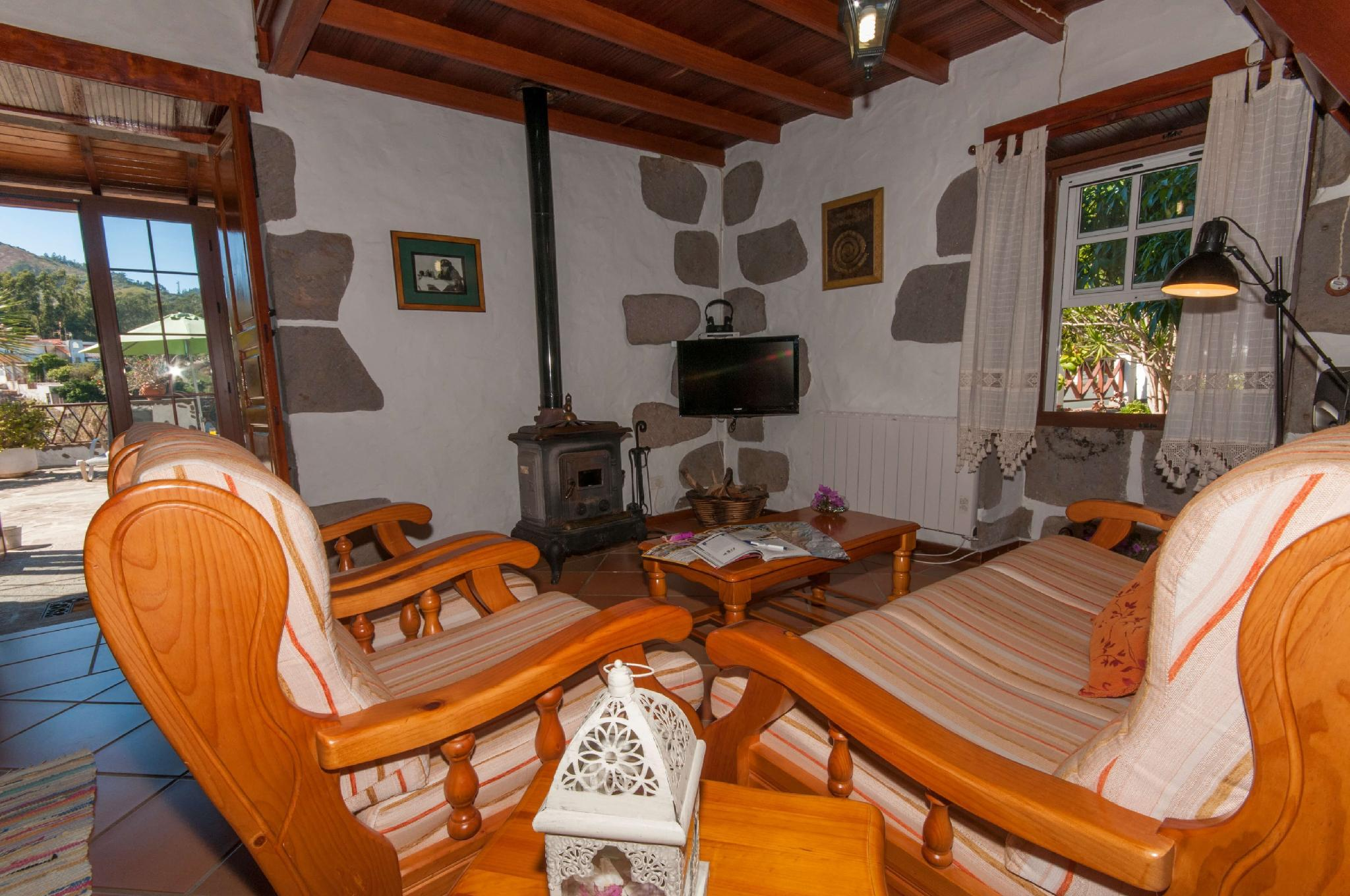 106798   House In Firgas