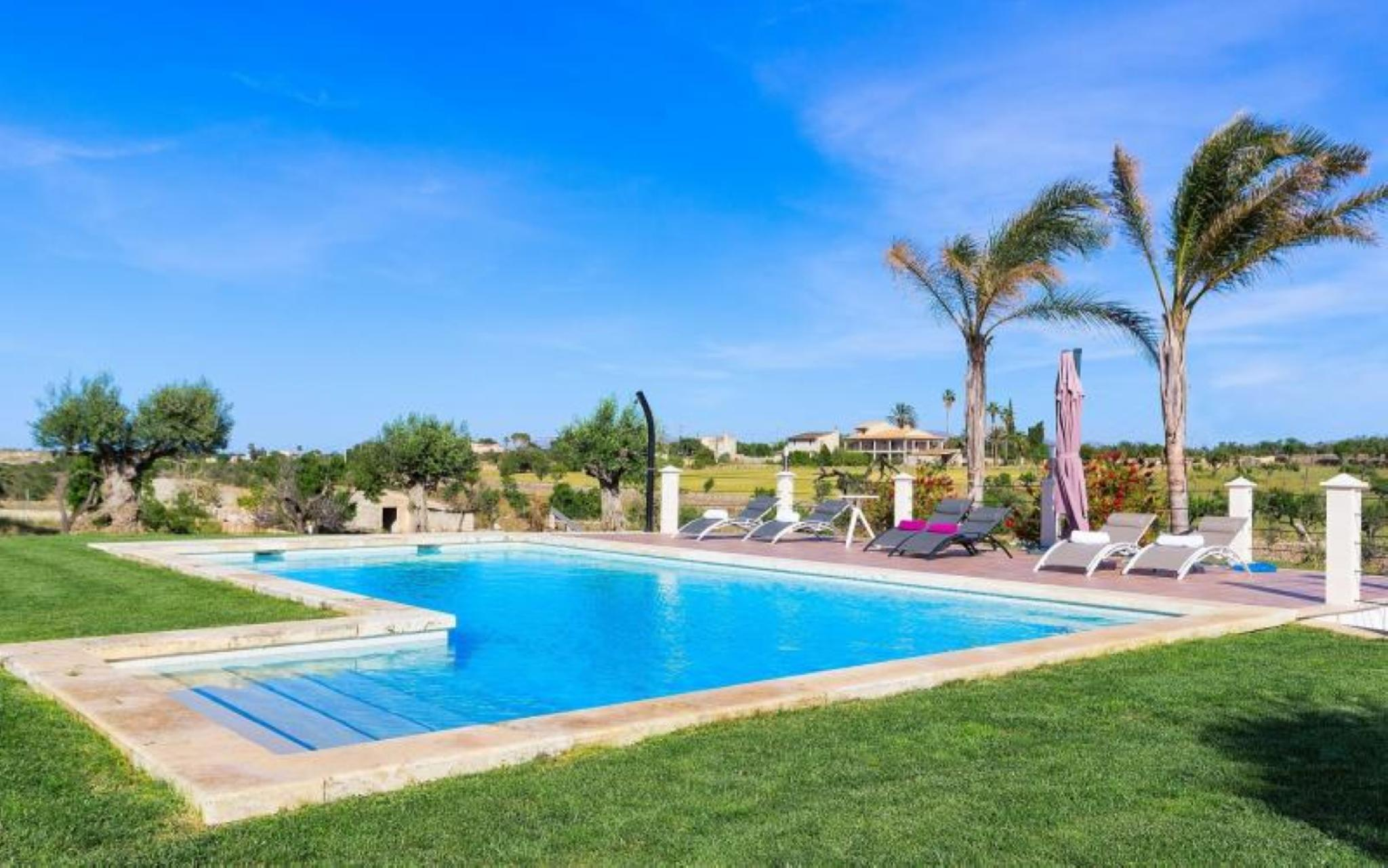 106044 -  Villa in Santa Margalida