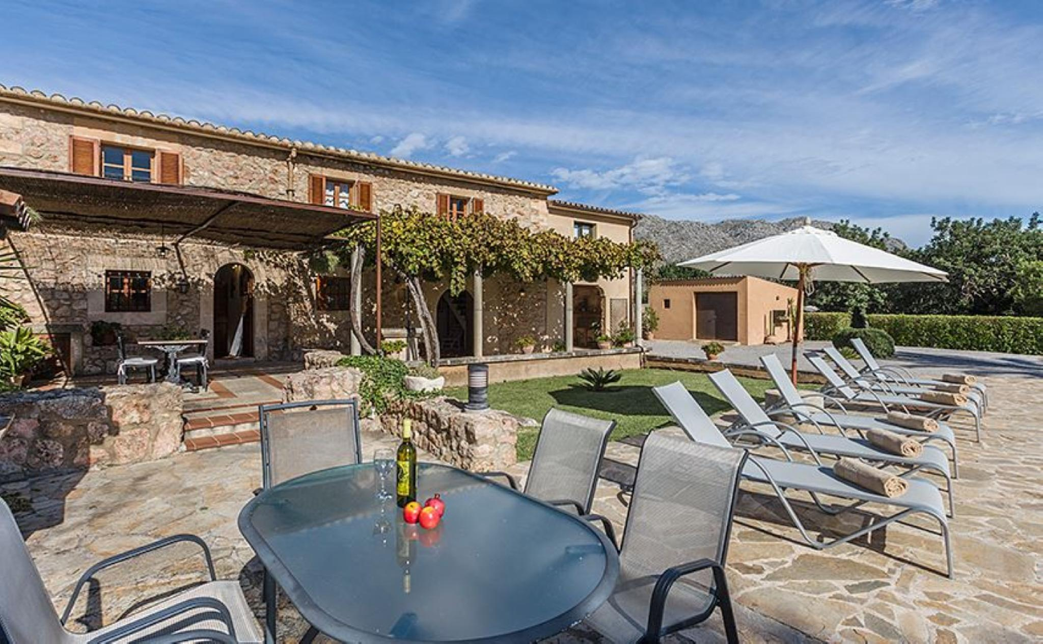 105851   Villa In Pollen�a