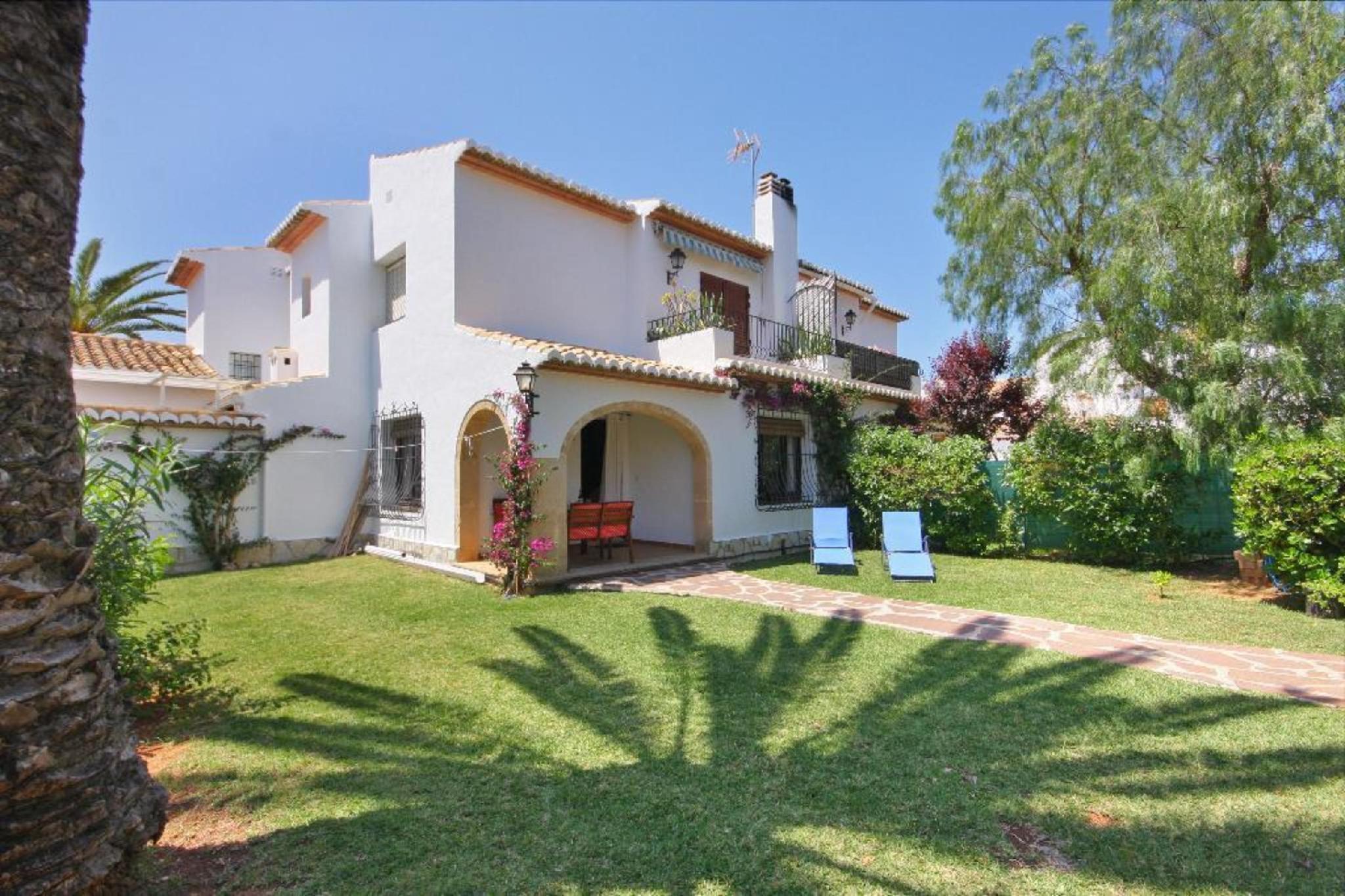 104475   Villa In X�bia