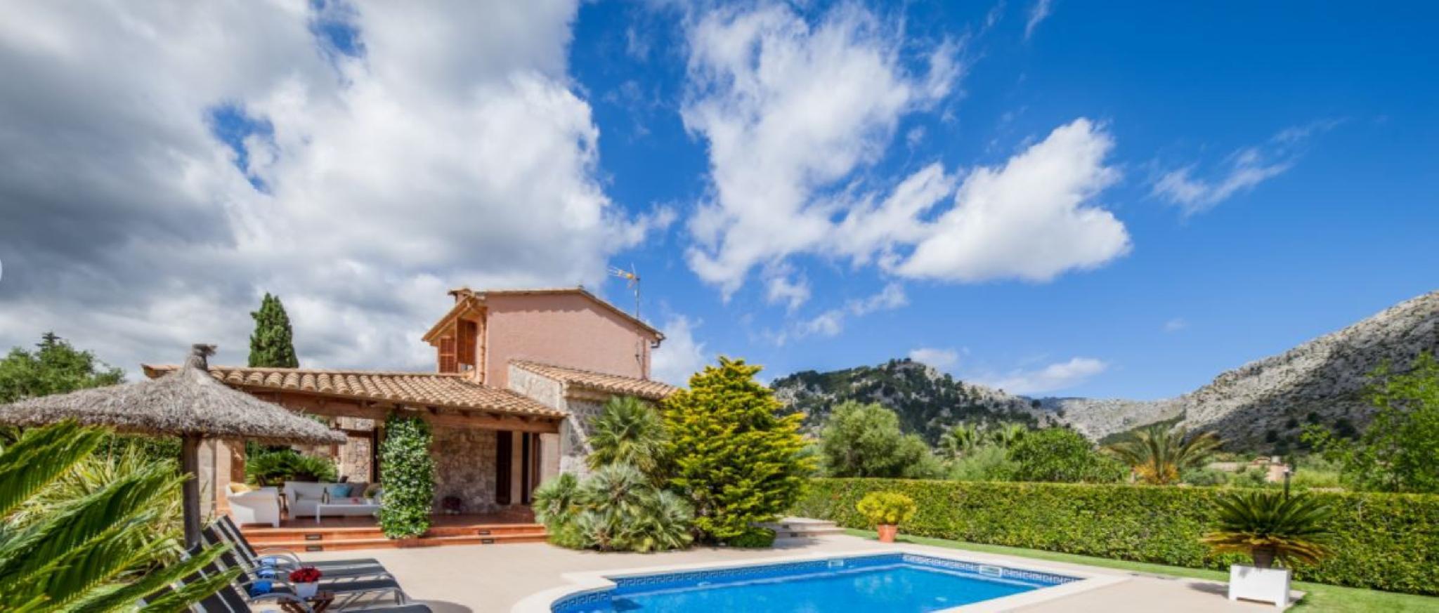 105852    Villa In Pollena
