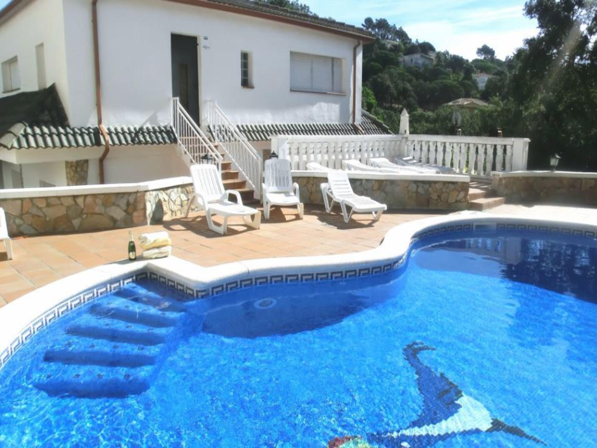 104106    Villa In Lloret De Mar