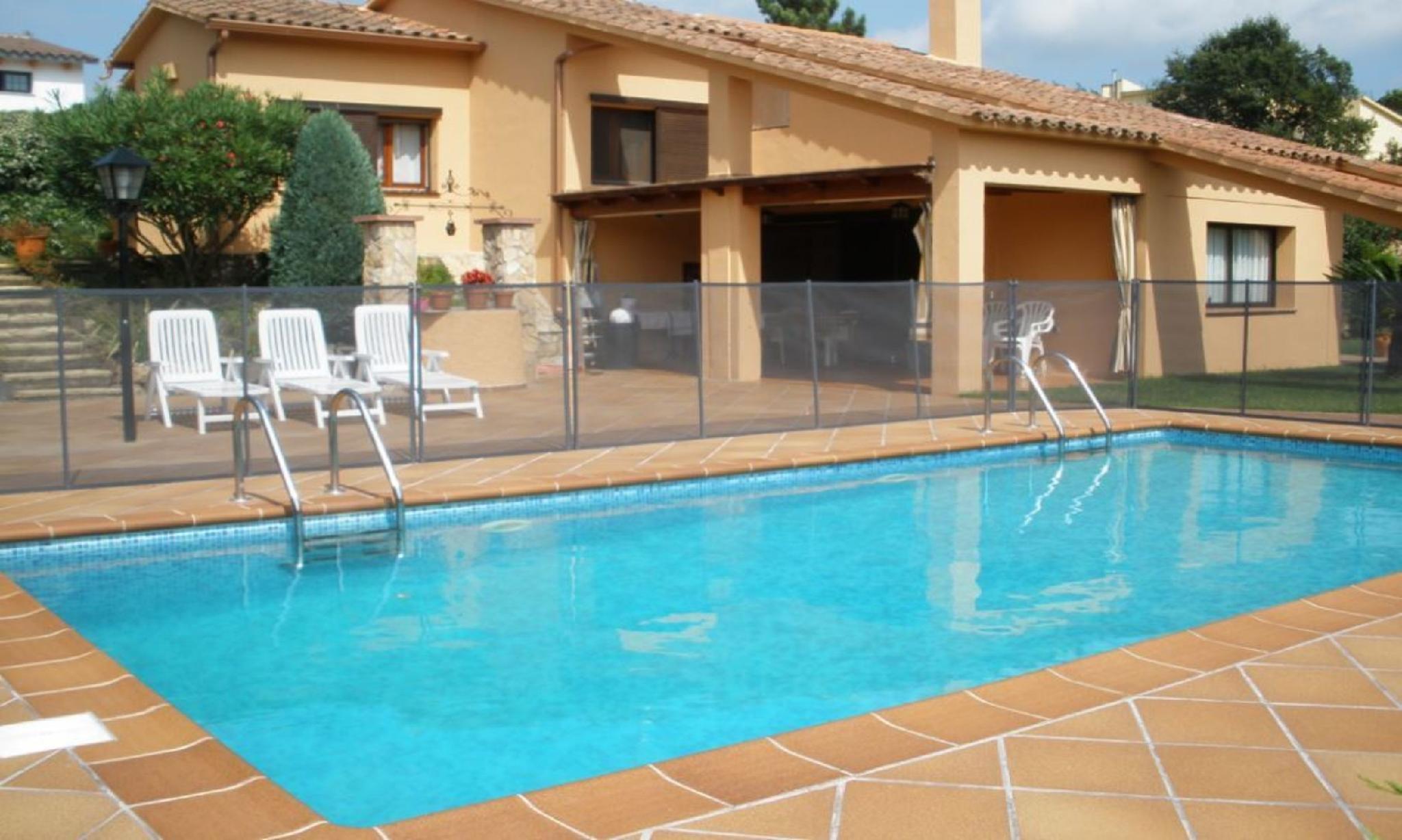 104834   Villa In Lloret De Mar