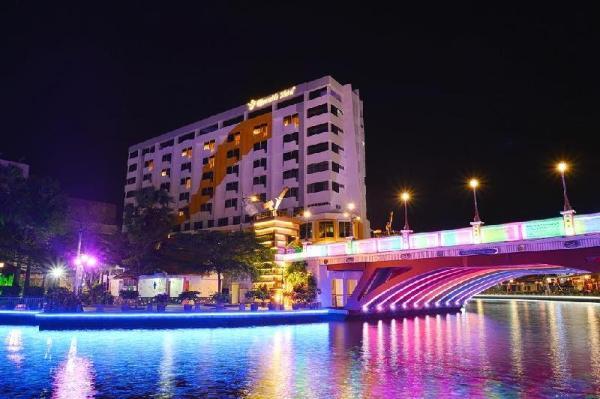 Tun Fatimah Riverside Hotel Malacca