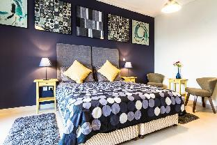 Ultra-modern Breathtaking Spacious (2 King Beds)