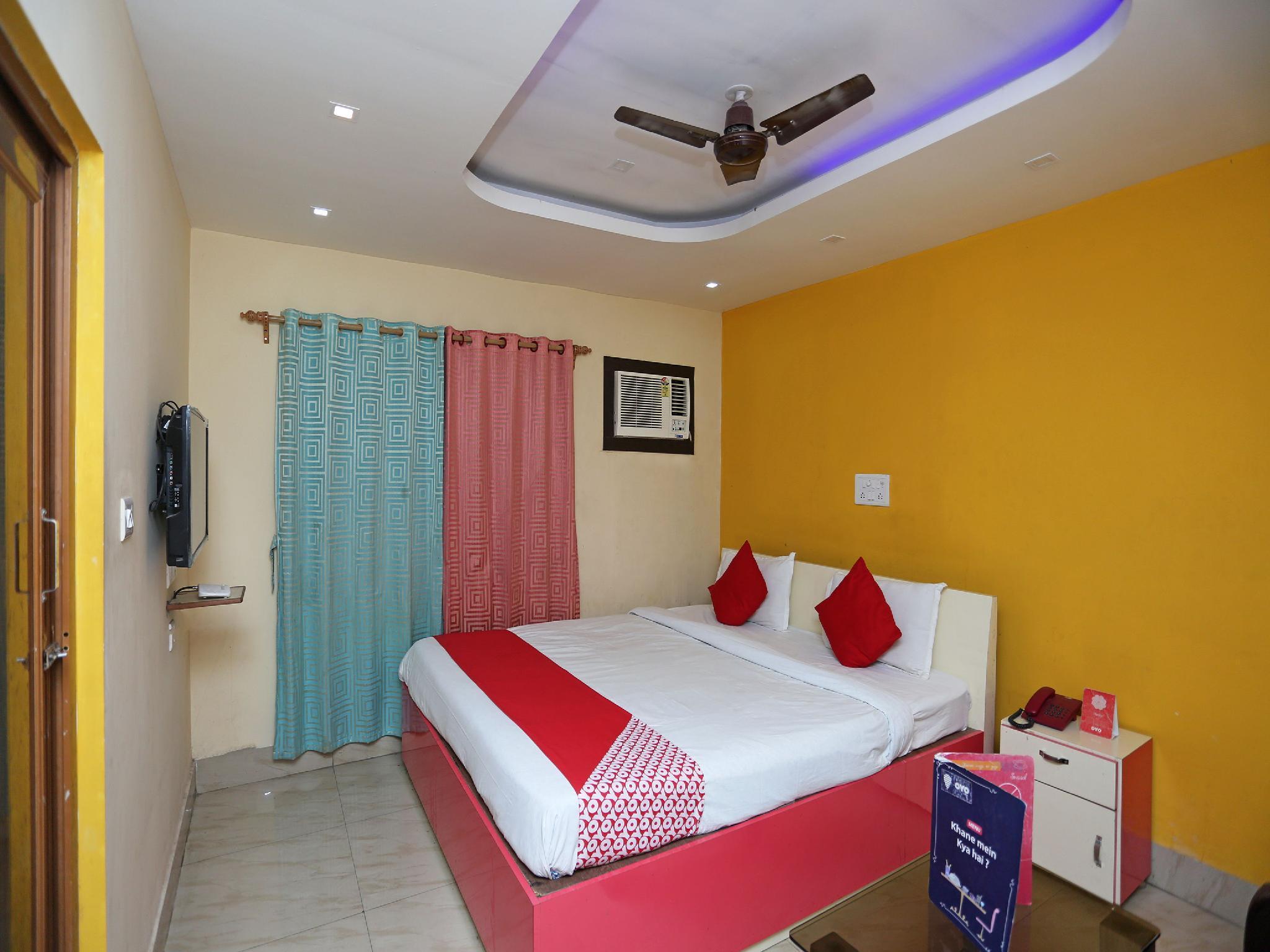 OYO 24854 Hotel Geetanjali Palace