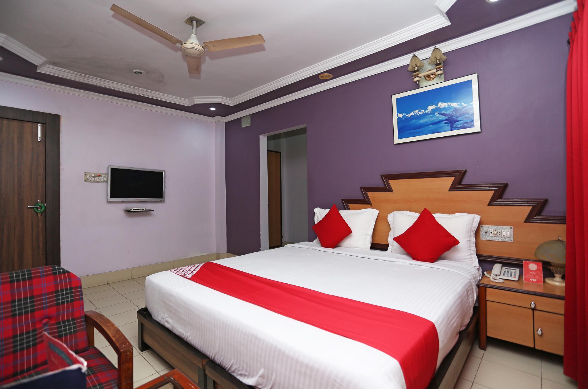 OYO 24916 Hotel Aquatic Palace