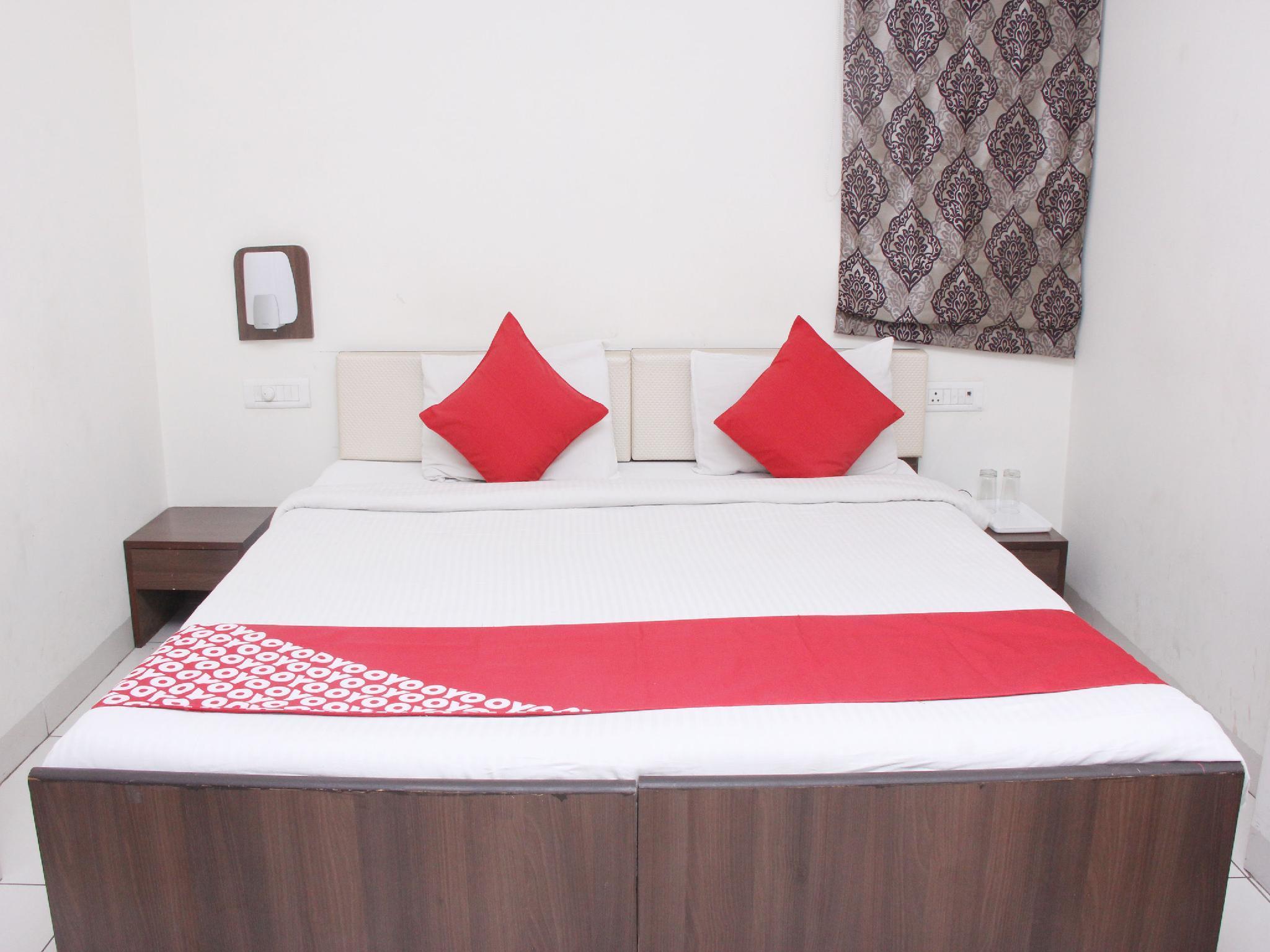 OYO 14427 Hotel RK Palace