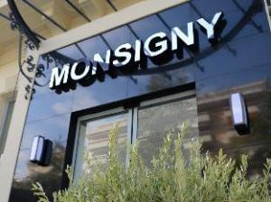 โฮเต็ล มอนซิกนี (Hotel Monsigny)