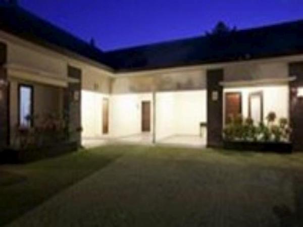 Pondok Raya 828 Guest House Bali