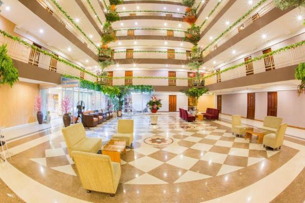 Three Seasons Place Hotel Bangkok