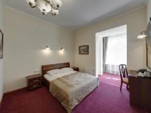 Solo on Nevsky Prospekt Hotel