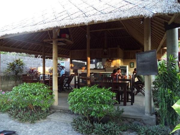 Santa Fe Bungalow Amed Bali
