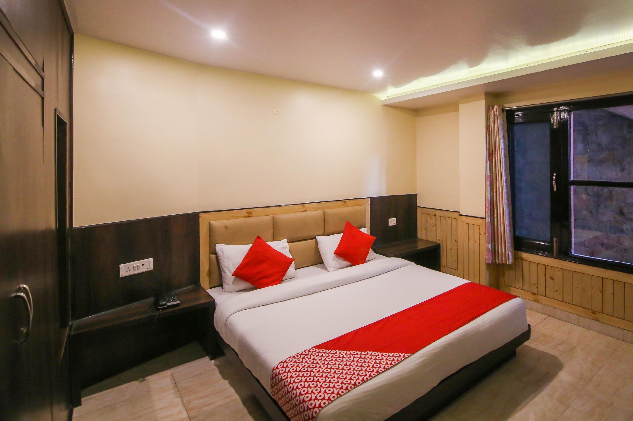 OYO 5774 Hotel Avantika