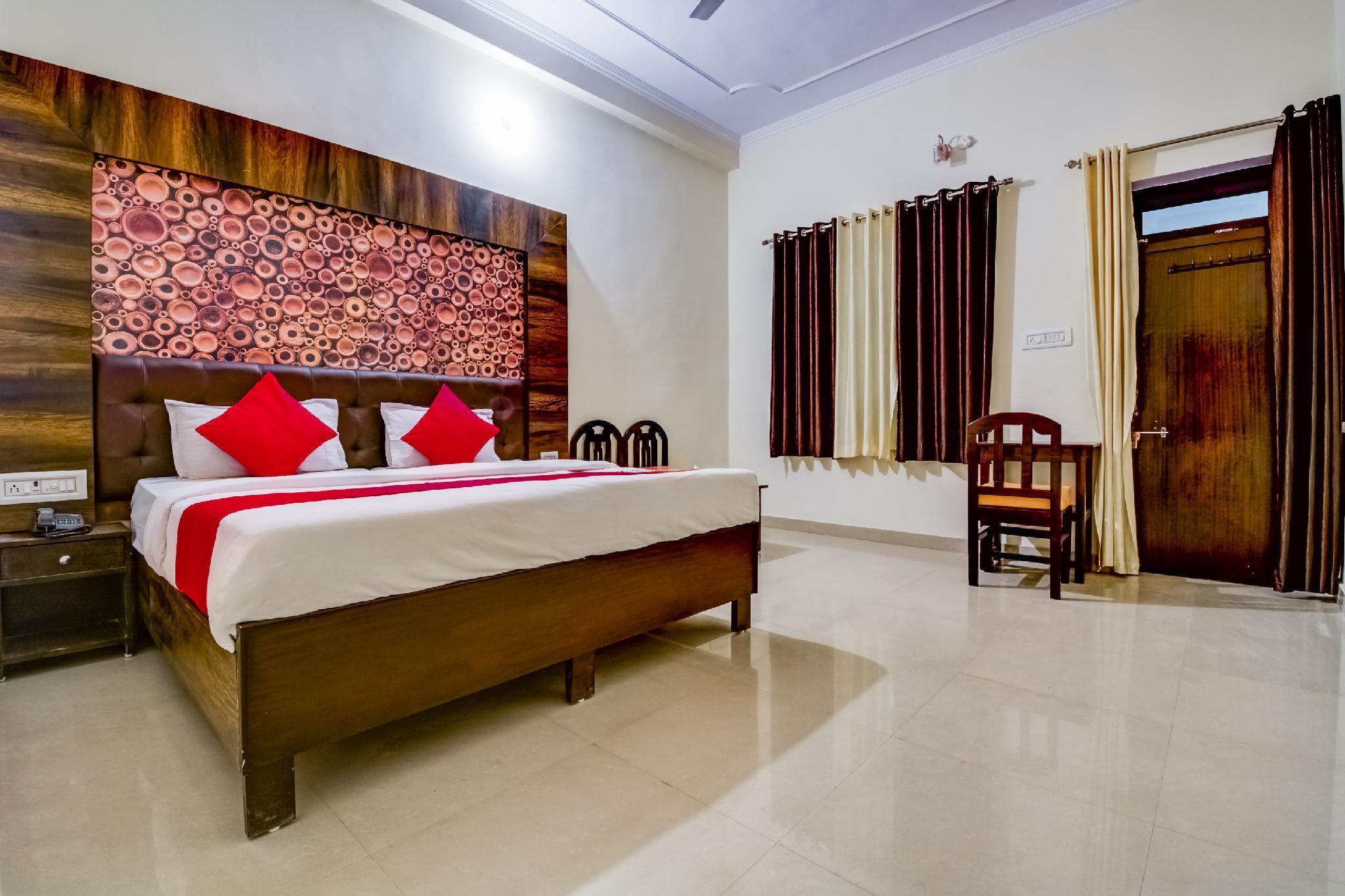 OYO 19951 Hotel Saif