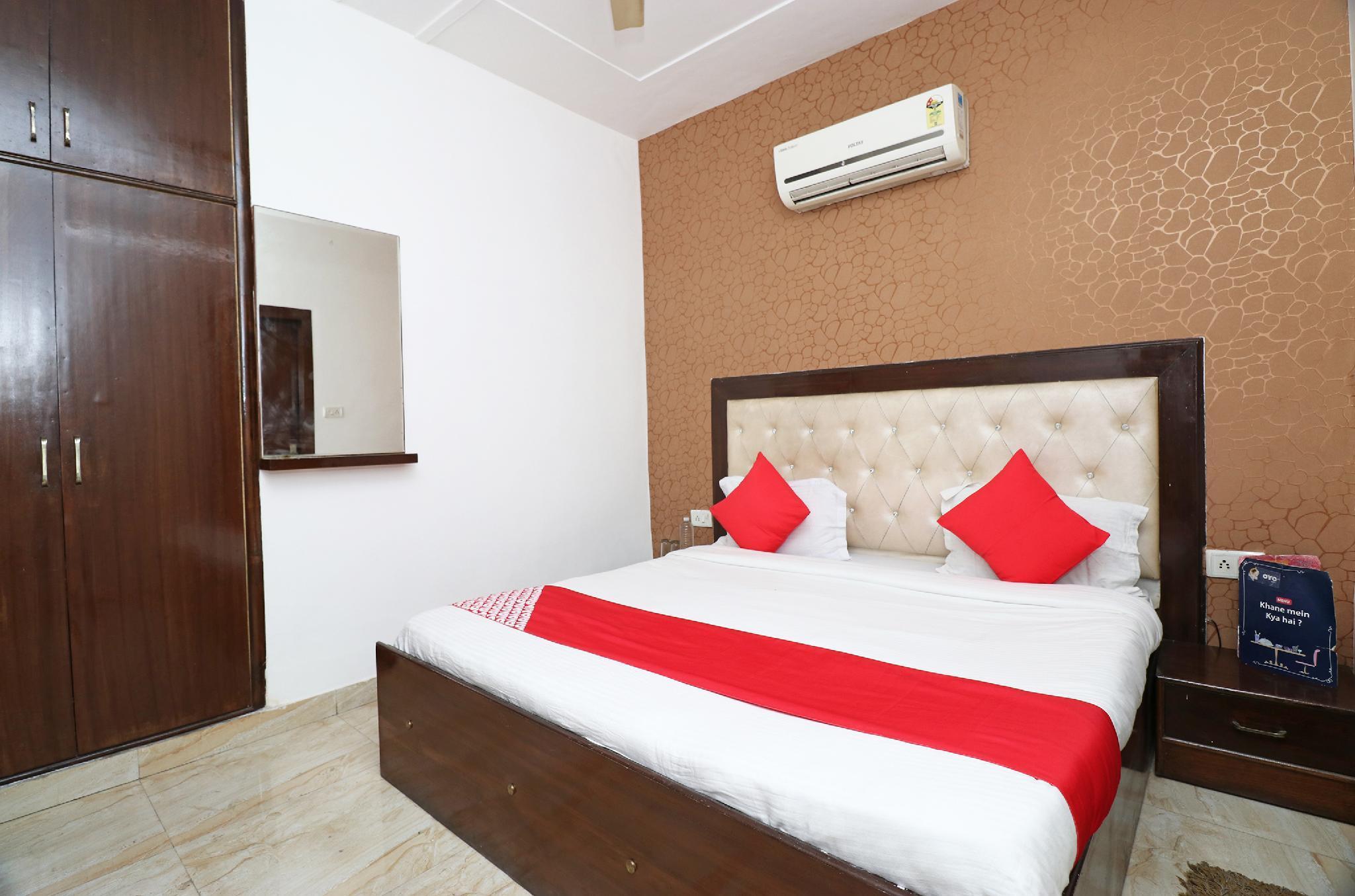 OYO 25075 Hotel Grace