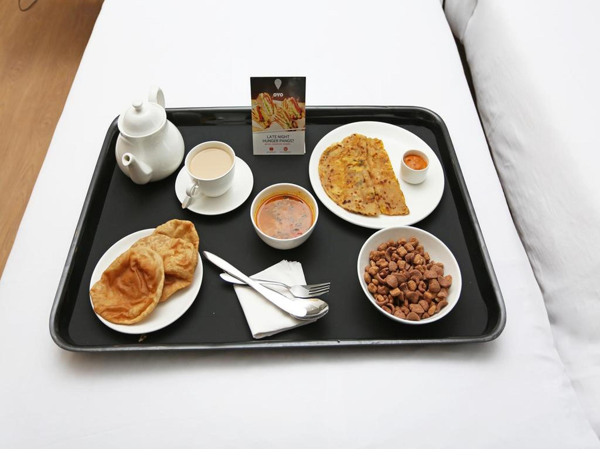 OYO 10507 Hotel Platinum