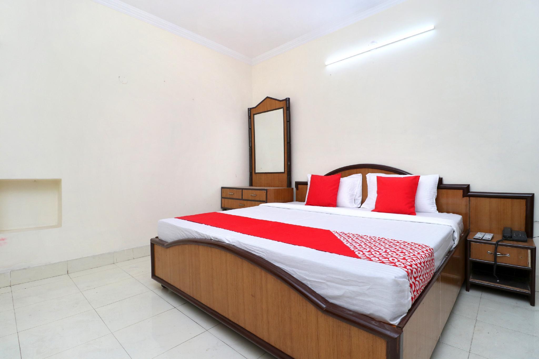 OYO 24326 Ab Hotel