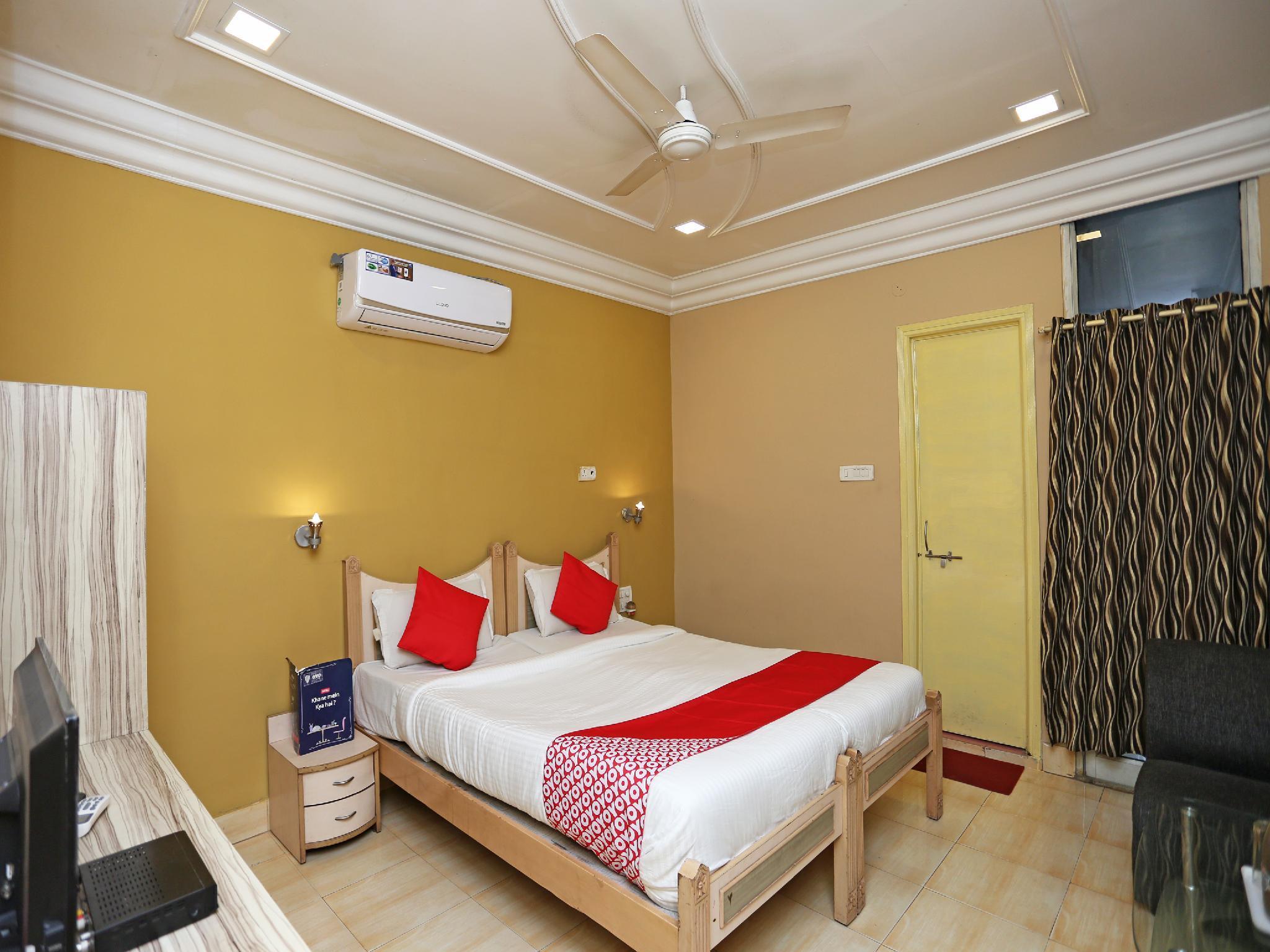 OYO 24860 Hotel Shiva International