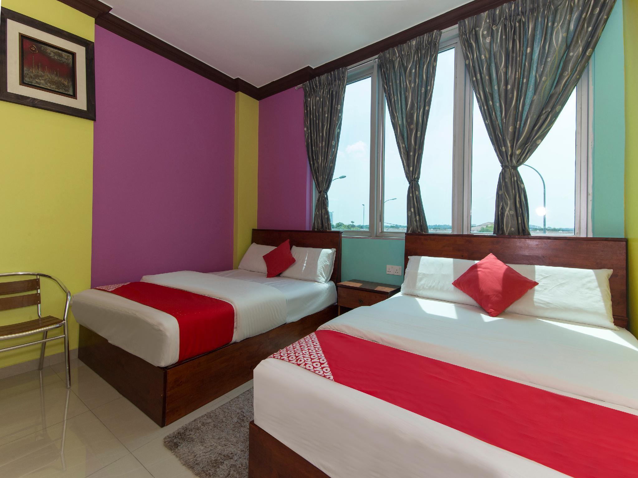 OYO 679 Saujana City Hotel