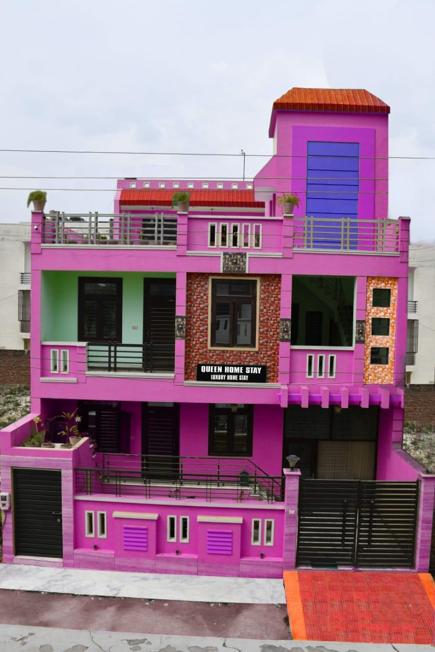 Queen Home Stay
