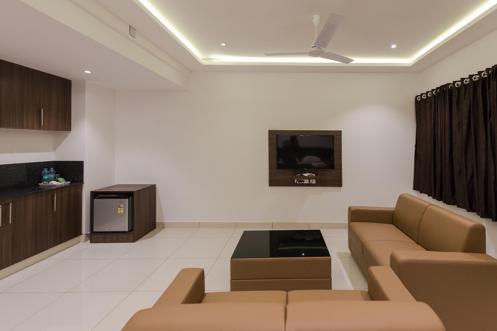 Hotel Karuna Residency