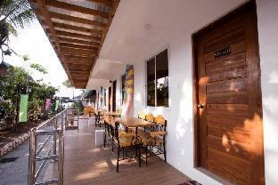 picture 4 of Sebay Surf Central Resort