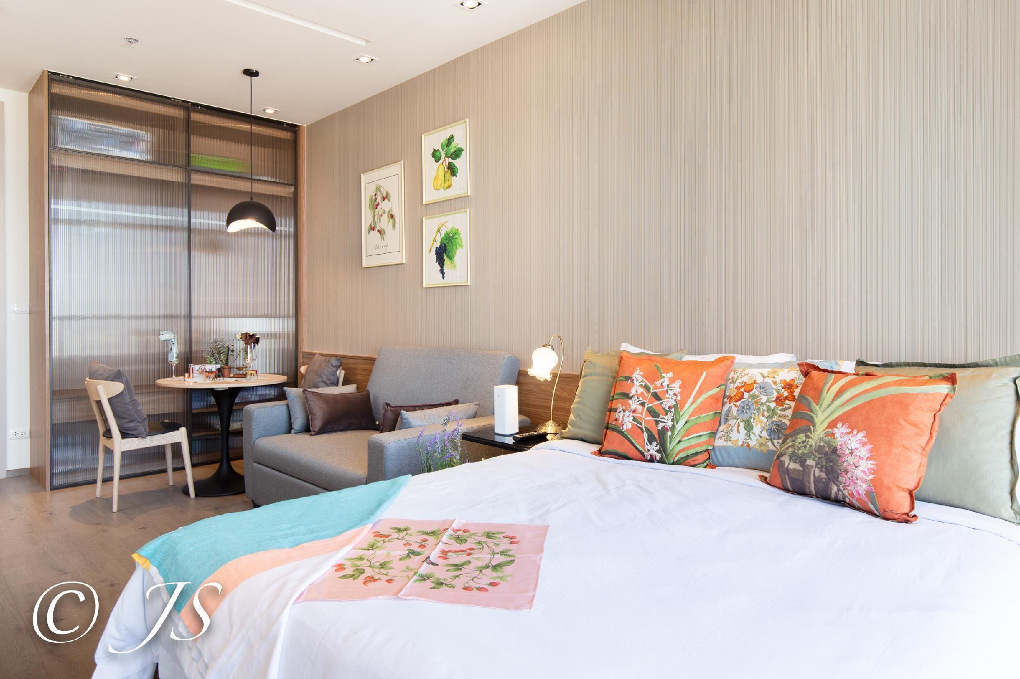 Park24 ChicStudio Luxury Pool/BTS/Central Bangkok อพาร์ตเมนต์ 1 ห้องนอน 1 ห้องน้ำส่วนตัว ขนาด 30 ตร.ม. – สุขุมวิท