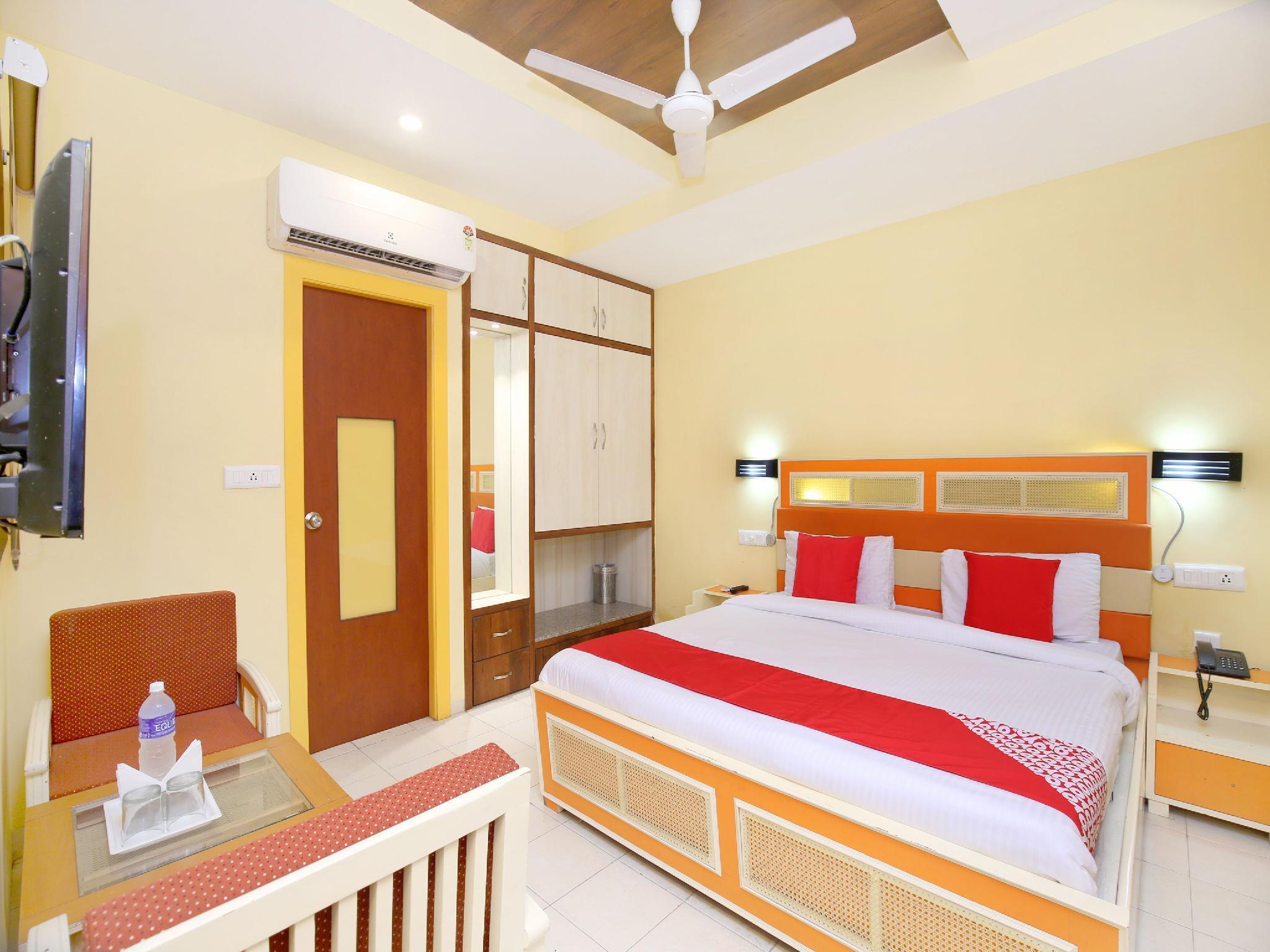 OYO 16949 Hotel Indiano