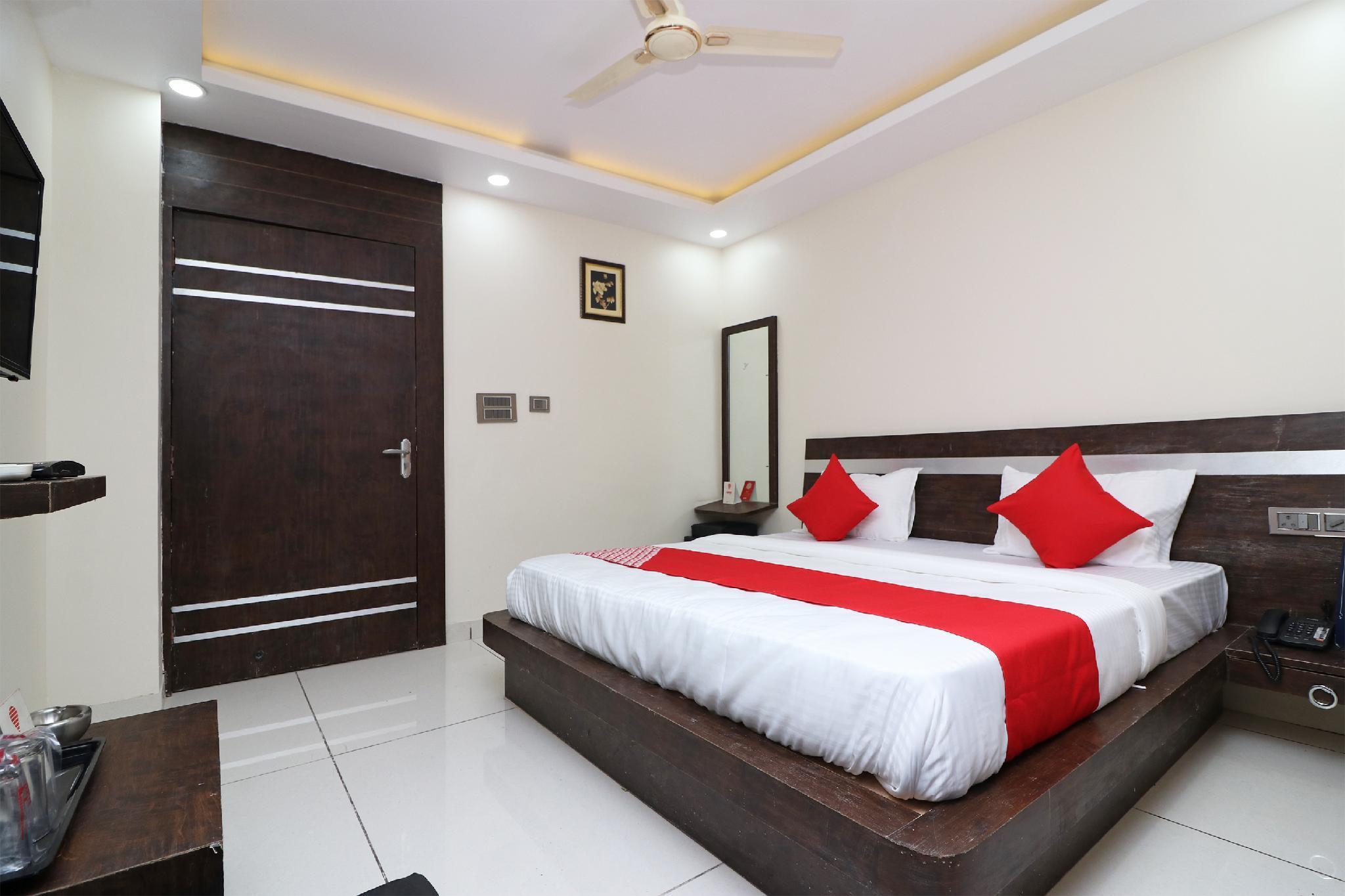 Capital O 15671 Hotel Jalsa Dlx
