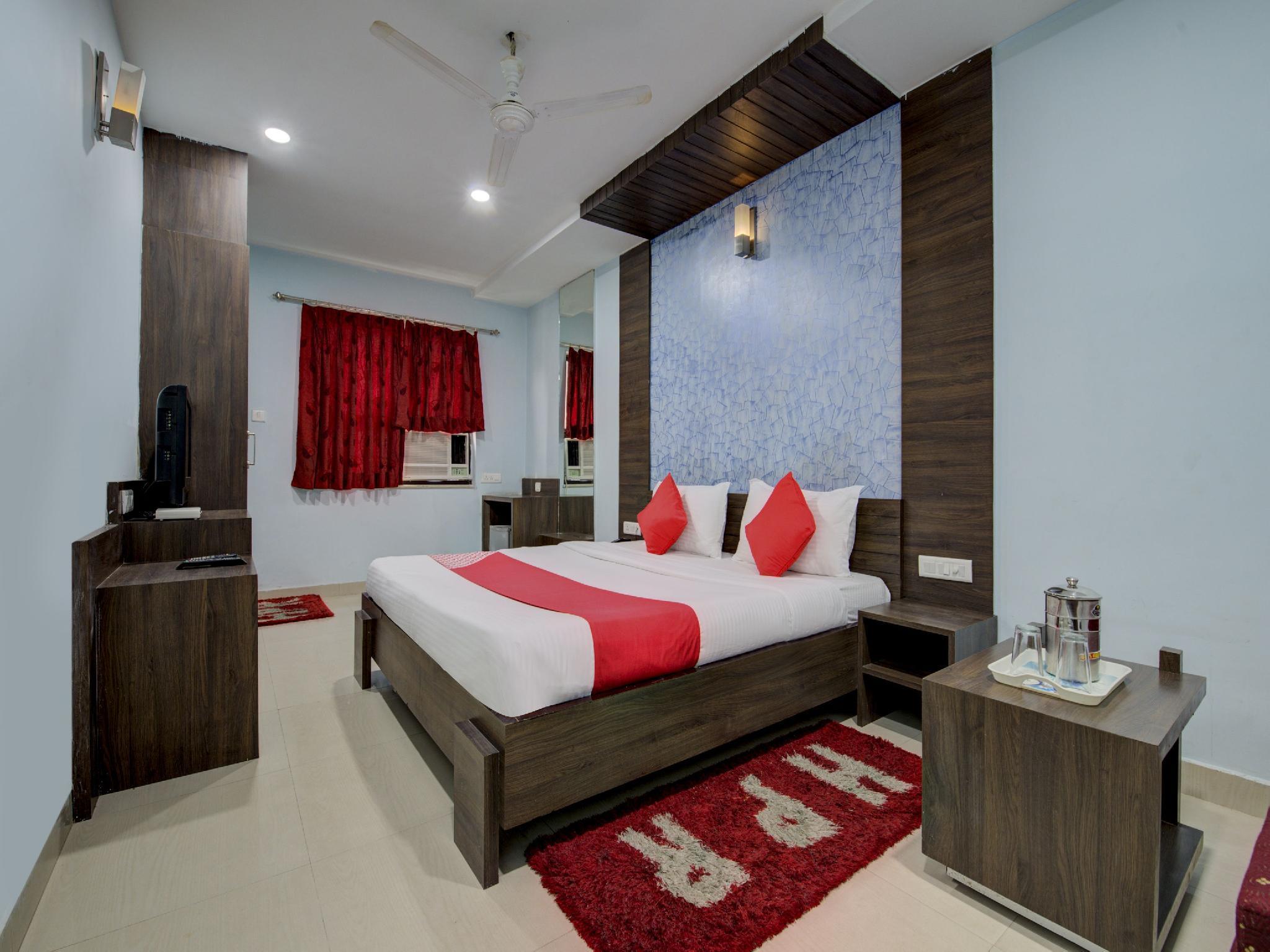 OYO 4822 Hotel Pratap Residency