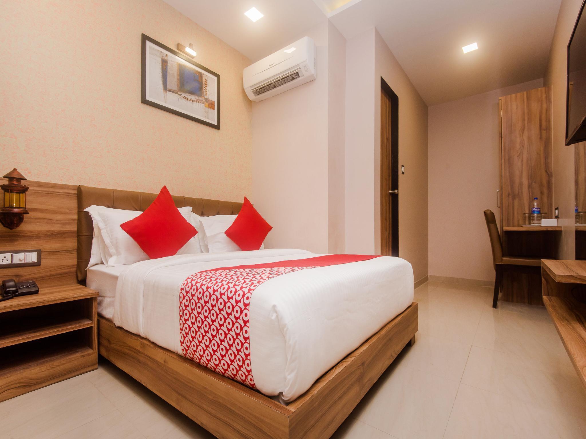 OYO 18581 Hotel Blue Inn Residence