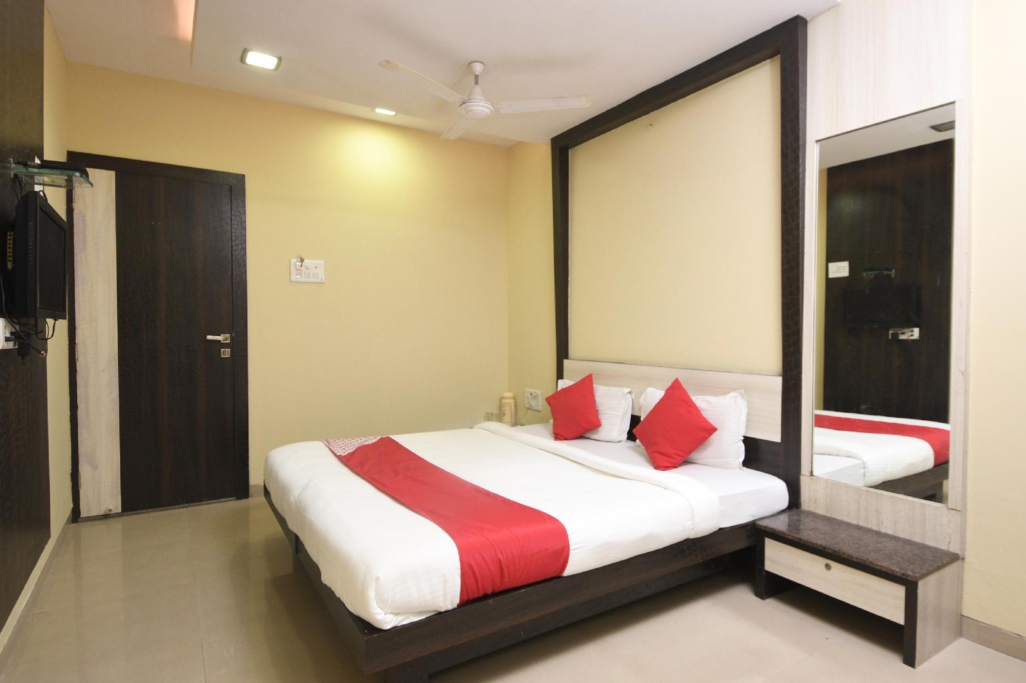 OYO 24048 Shree Krishna Palace