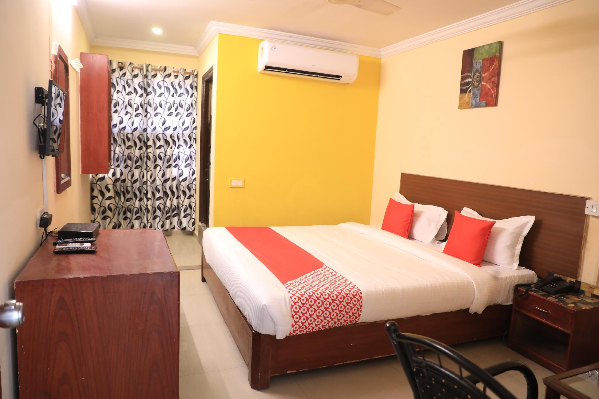 OYO 15140 Hotel Priya Residency