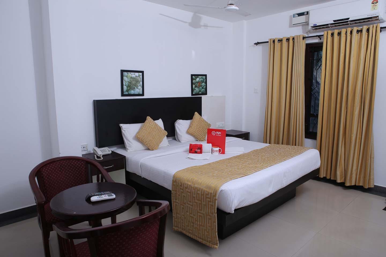 OYO 2051 Hotel Aquarock