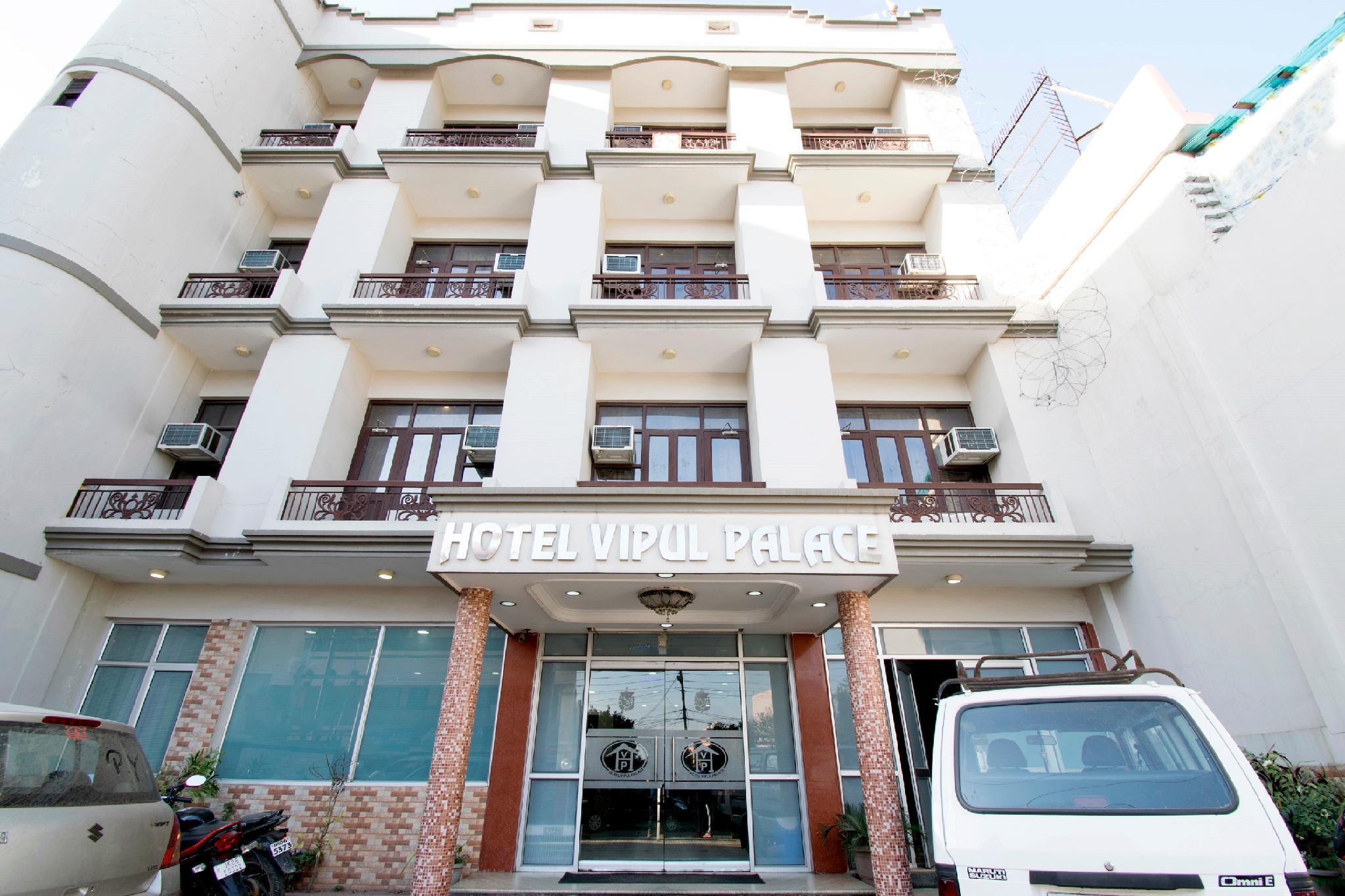 OYO 17109 Hotel Vipul Palace