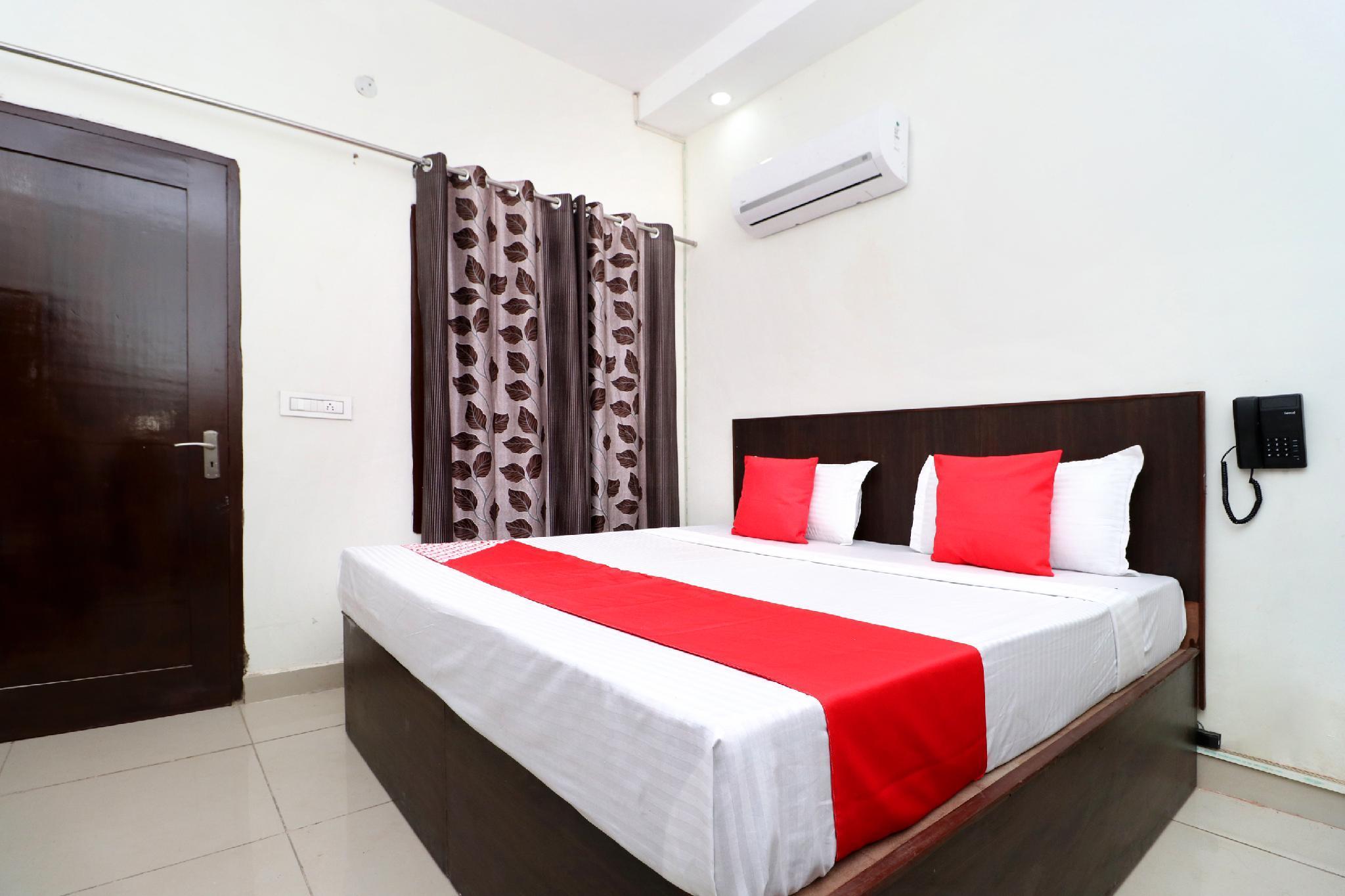 OYO 24142 Hotel Smart King