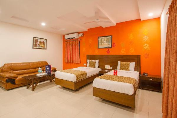 OYO 11400 The Down Town Suites Hyderabad