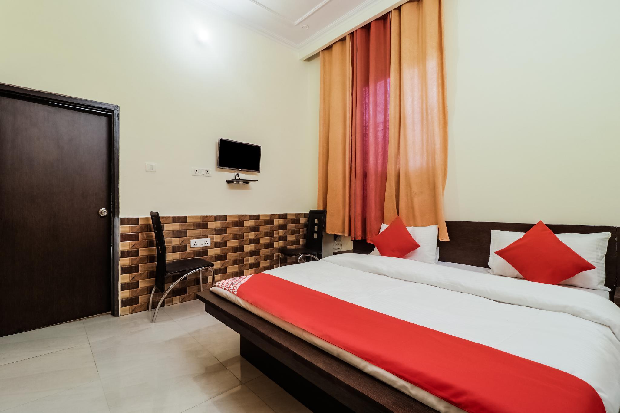 OYO 24596 Hotel Hill View