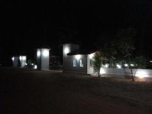 Hotel Nirmaa Shadow Inn