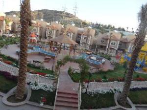 Meral Oasis Resort For Hotel Villas
