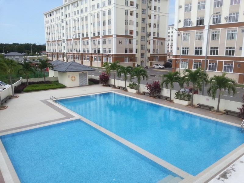 KK Holiday Suites Apartment