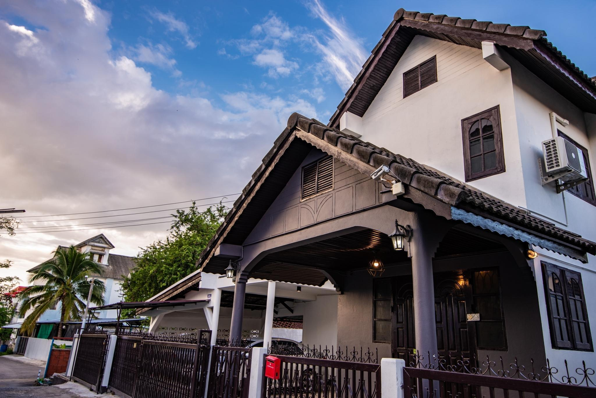 The Cozy House in Chiang Mai city วิลลา 5 ห้องนอน 4 ห้องน้ำส่วนตัว ขนาด 250 ตร.ม. – ห้วยแก้ว
