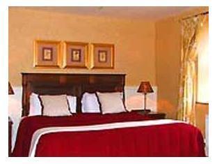 Victoria House Hotel