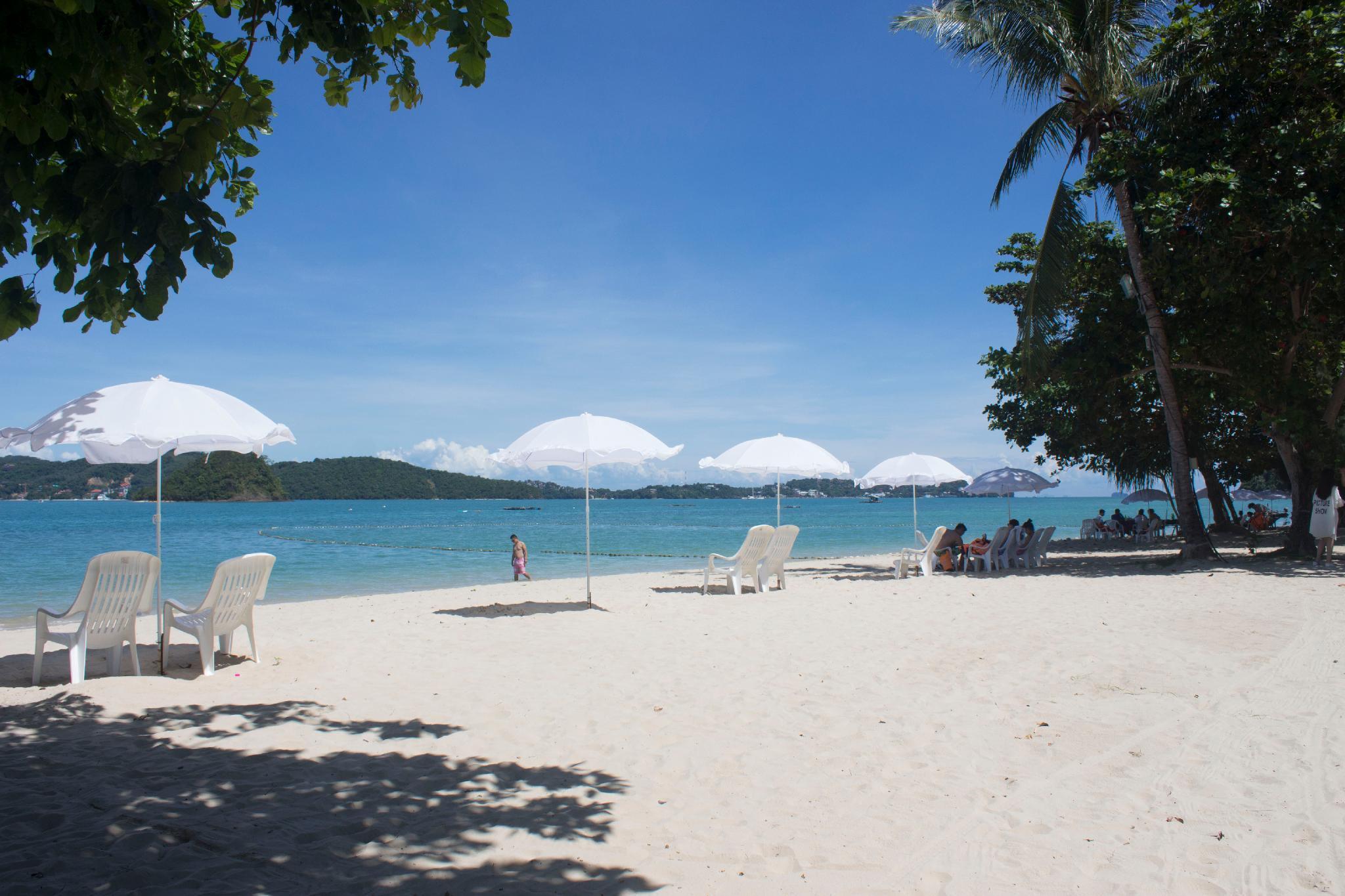 Cruiser Island Resort